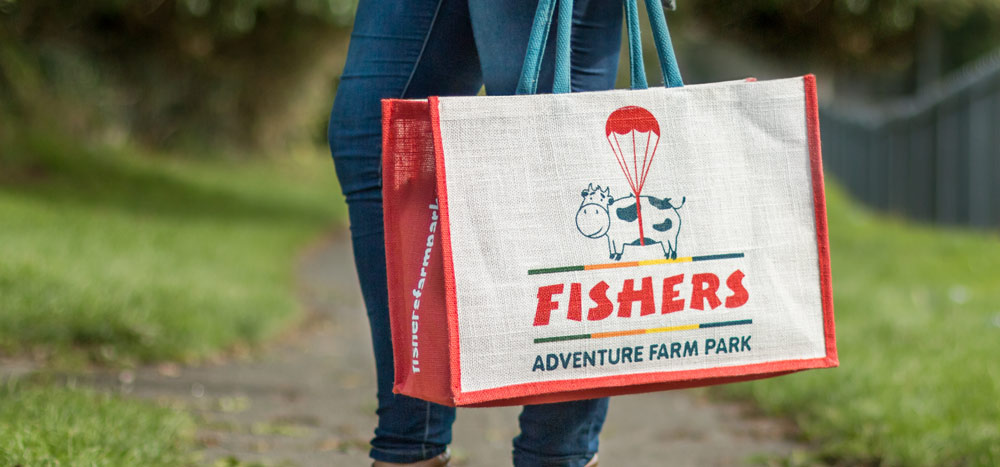 Fishers bag helps to go plastic free
